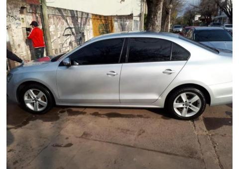 Vendo VW Vento 2.5 luxury 2011